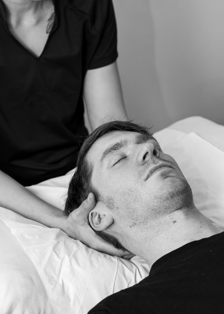 Online osteopathy consultation